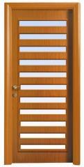 דלת בעיצוב פסים