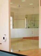 דלת זכוכית בשילוב התזת חול