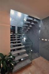 מדרגות פלדה ושיש