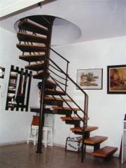 מדרגות לולייניות - קו נבון