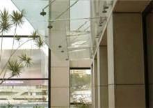 גגון תלוי מזכוכית