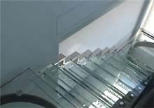 מדרגות זכוכית מרשימות