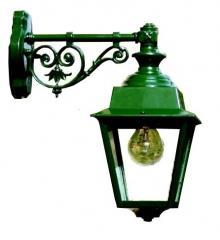 מנורת קיר ירוקה מעוטרת