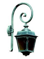 מנורת קיר מעוטרת בצבע טורקיז