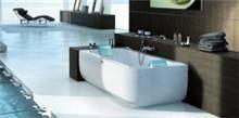 אמבטיית יחיד לבנה ומעוצבת