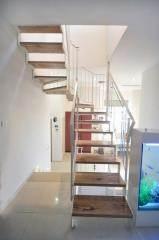 מדרגות רחבות - קו נבון