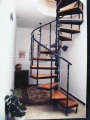 מדרגות לולייניות מעוצבות