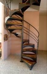 מדרגות לולייניות משולבות עץ - קו נבון