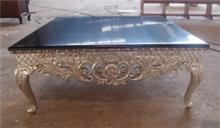 שולחן שחור עם רגלי זהב - Treemium - חלומות בעץ מלא