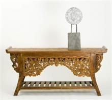 קונסולה מעץ טיק בגילוף אינדונזי אומנותי