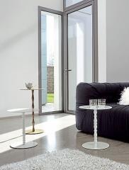 שולחן מעוצב בעל רגל אחת