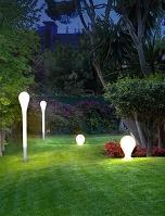 עמודי תאורה גן בעיצוב מיוחד