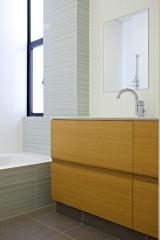 ארון אמבטיה ציפוי פורניר