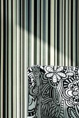 טפט שחור תכלת ולבן עם ריפוד לכורסא