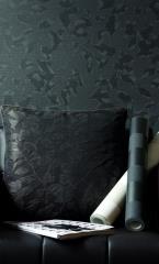 טפט וכרית בצבע שחור