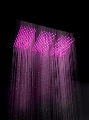 מקלחון בצבעים