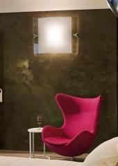 מנורת קיר בצורת מראה