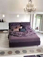 מיטה זוגית סגולה