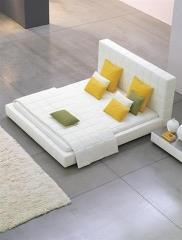 מיטה בעיצוב מעניין