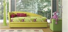מיטת יחיד מעוצבת