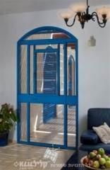 דלת פתיחה לחצר