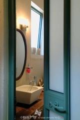 חלון אמבטיה