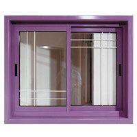 חלון עם שיבוץ מתכת