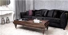 ספה ושולחן לחדר מגורים