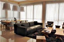 ספה ושולחנות לסלון