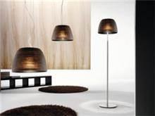 מנורה בעיצוב קלאסי