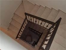 ציפוי שיש פורצלן על מדרגות - אומנות הפורצלן