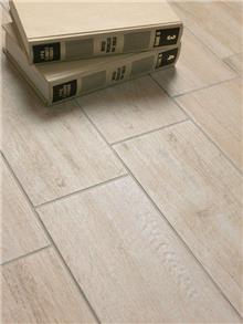 אריחי רצפה דמויי עץ - חלמיש