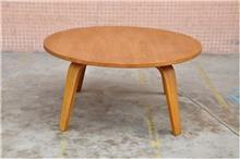 שולחן לחדר המגורים - היבואנים