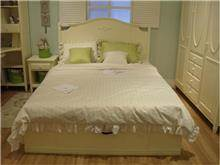 מיטה זוגית בסגנון וינטג' - היבואנים
