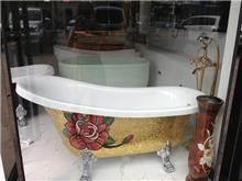 אמבטיה מוזהבת - היבואנים