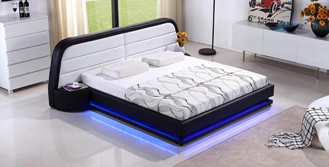 מיטה בריפוד עור