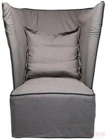 כורסא בגוון אפור