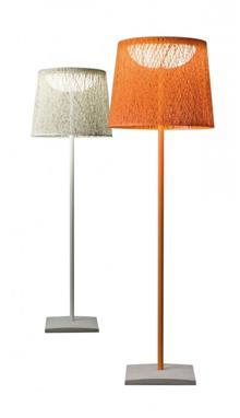 מנורה עומדת עשויה פיברגלאס