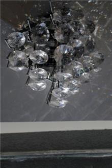 מנורת קיר יהלומים