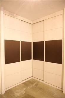 ארון פינתי 4 דלתות - בית אומנות העץ