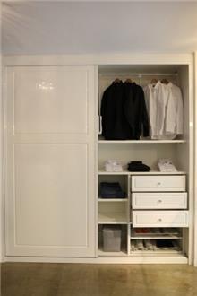 ארון לבן דלתות הזזה - בית אומנות העץ