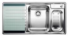 כיור למטבח עשוי נירוסטה
