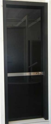 דלת בעיצוב ייחודי