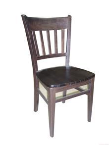 כיסא מעץ