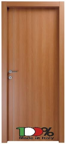 דלת חומה מרשימה