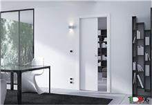 דלת בצבע לבן