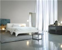 מיטה זוגית לבנה