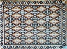 שטיחי אבן בדוגמת מעויינים