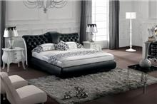 מיטה זוגית בעיצוב קלאסי