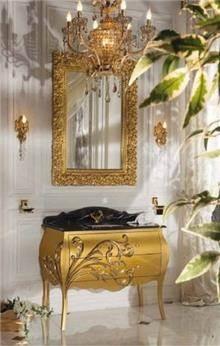 ריהוט זהב לחדר הרחצה